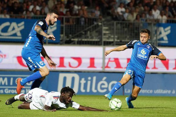 Grâce à leur match nul face à Caen, les Chamois enchaînent une cinquième rencontre sans défaite.