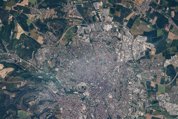 Les photos ont été prises à 400km d'altitude.