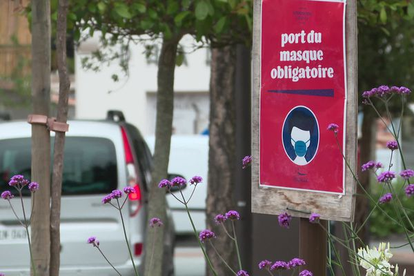 Dans les Landes, le port du masque reste obligatoire dans les zones les plus denses des communes touristiques.