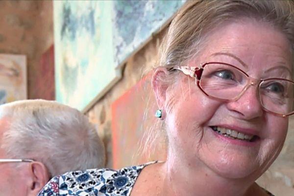 Une dame rigolote et plutôt dissipée, rencontrée lors d'un tournage à Parcoul-Chenaud.