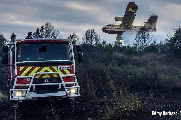 Un incendie s'est déclaré en fin d'après-midi sur la commune de Mèze dans l'Hérault - 6 octobre 2018
