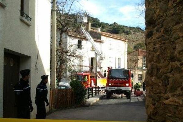 La maison où s'est déroulée le drame familial dans le centre du village de Rasiguères dans les Pyrénées-Orinetales. 30/12/2013