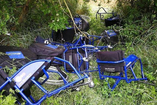 Les fauteuils de l'AS Niort basket tels qu'ils ont été découverts