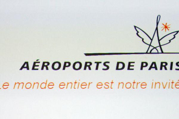 L'Etat, actionnaire majoritaire d'Aéroports de Paris (ADP) s'apprête à céder ses parts de l'entreprise et espère récupérer 8 milliards d'euros.