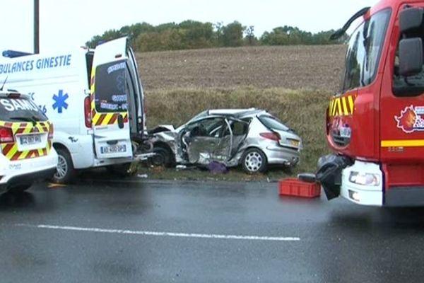 L'accident à Mensignac en Dordogne a fait deux morts le 14 novembre 2014.