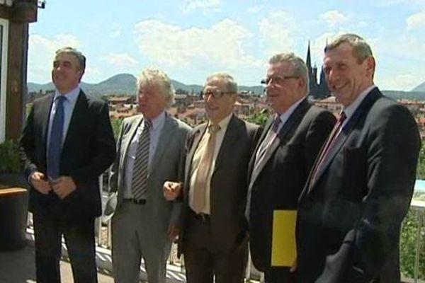 Le développement du numérique porté par la Région Auvergne a fait l'unanimité auprès des quatre présidents des départements. La première phase de déploiement de la fibre optique coûtera 375 millions d'euros.