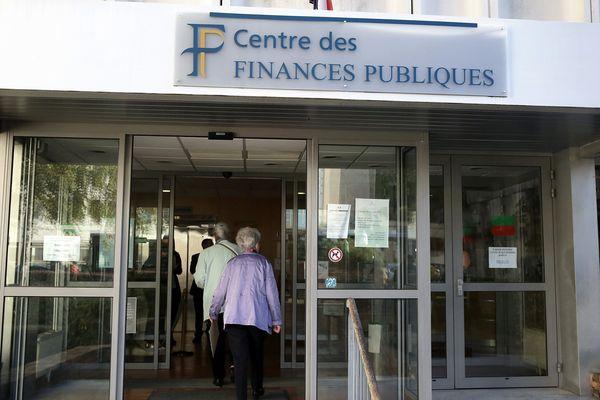Le rétropédalage du gouvernement sur les impôts locaux pour les retraités provoque de nombreuses visites dans les centres du Trésor public.