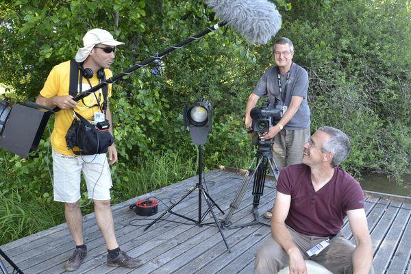 Karl, opérateur son, Jean-Michel et Fred, caméramen