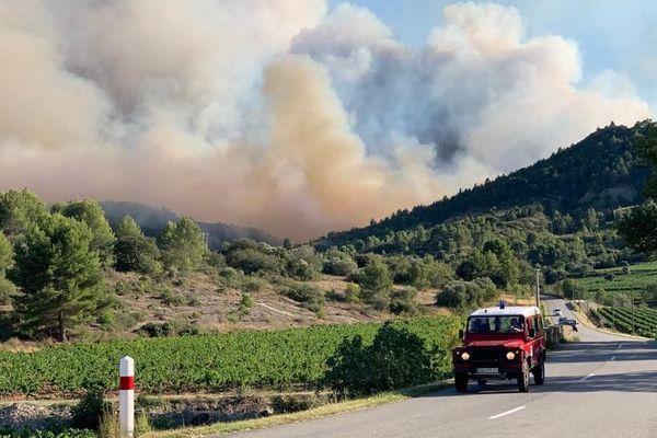 50 hectares avaient déjà brûlé à 19 heures à Montirat (Aude), ce 14 août 2019