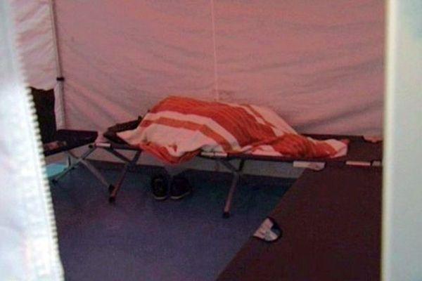 Site d'accueil d'hébergement d'urgence pour sans abri - archives