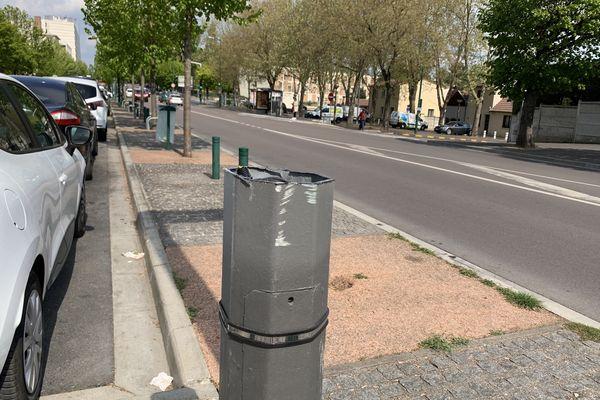 Le pylone de 10,7m a été scié à la disqueuse dimanche 2 mai quartier Wilson à Reims. Il portait une caméra de vidéo-surveillance.