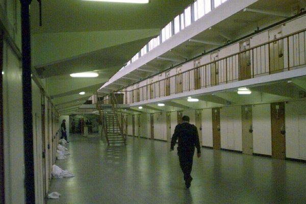 Couloir de la maison d'arrêt de Valenciennes