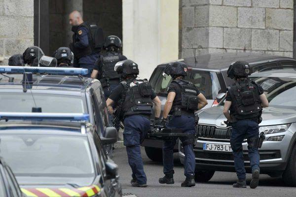Mardi 22 juin, une équipe de gendarmes du PSIG est sur place à Cunlhat, dans le Puy-de-Dôme.