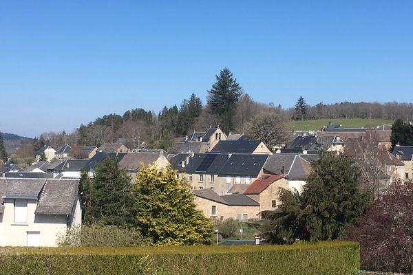 """""""Courant Citoyen"""" installera ses premières toitures photovoltaïques à Peyrelevade mais son projet s'étend sur les 124 communes du Parc Naturel Régional de Millevaches."""