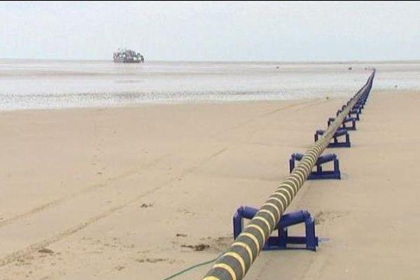 Ce câble sera enfoui sous deux mètres de profondeur. Les travaux vont durer un mois, au rythme des marées.