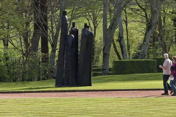"""Exposition """"La forêt des autres"""", dix sculptures de bois réalisées par Christian Lapie"""