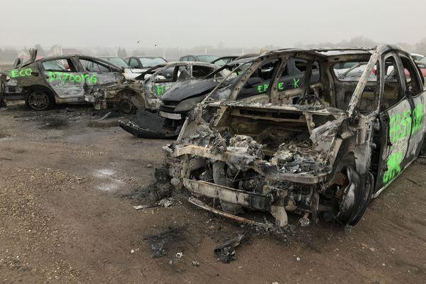 Chez ce garagiste, 25 véhicules incendiés ont été acheminés le 1er octobre