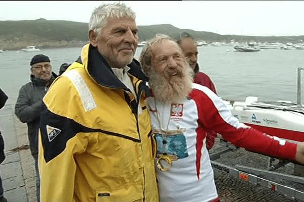 Aleksander Doba, avec Jo Le Guen, venu le saluer à son arrivée au Conquet (29)