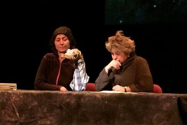 Catherine Dolto et Emma le clown, lors d'un filage cet après-midi à St Junien.