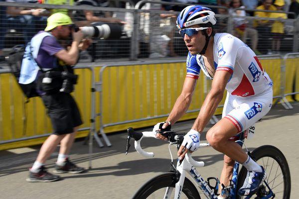 Tour de France : Thibaut PINOT après son passage sur la ligne d'arrivée.