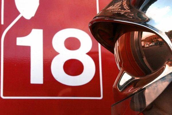 Le feu a été maîtrisé par les sapeurs-pompiers.