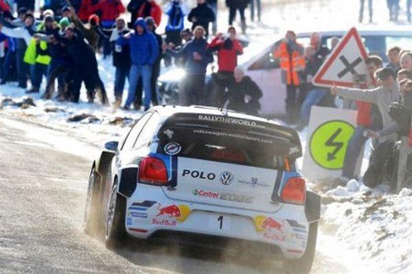 Le Français Sébastien Ogier (VW Polo-R) sur le Rallye Monte-Carlo ce vendredi matin.