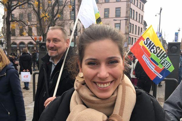 Cléa, jeune enseignante, se mobilise depuis le début du mouvement de contestation.