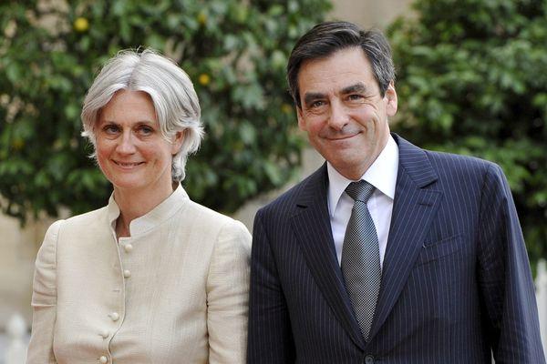 Pénélope Fillon a-t-elle réellement occupé son poste de collaboratrice auprès de son mari, poste pour lequel elle a été rémunérée pendant huit années ?