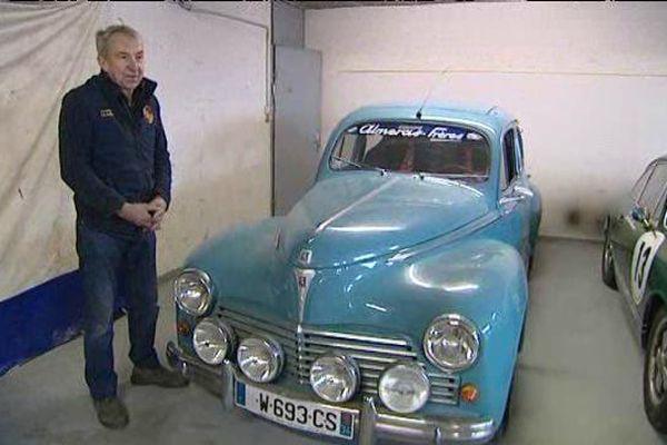 Jean-Marie Alméras préparateur automobiles de voitures de compétition depuis près de 50 ans à Montpellier à côté la fameuse Peugeot 203 familiale.