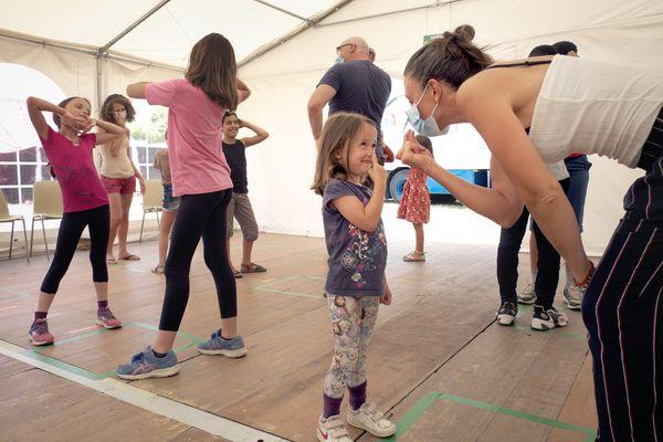 Envie de vous initier à la pratique du théâtre ? Nous vous proposons des ateliers tout au long de L'Île-de-France fête le théâtre.