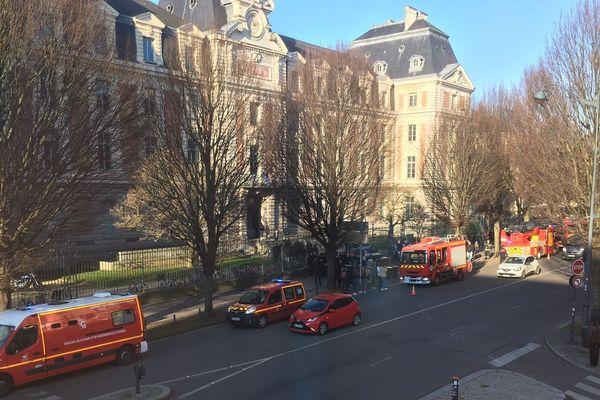 Les pompiers étaient intervenus suite au déclenchement de l'alarme incendie.