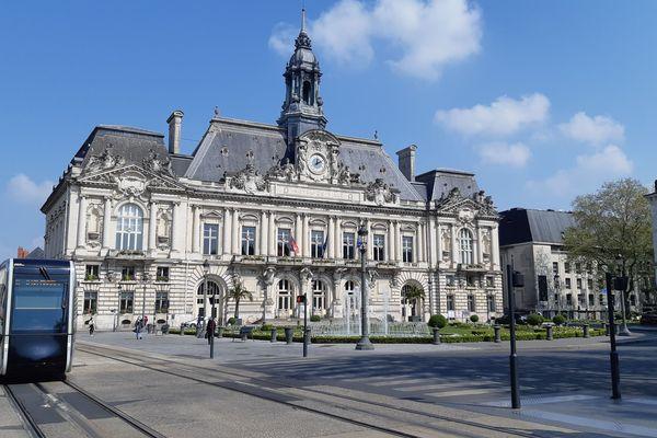 La place Jean Jaurès dans le centre-ville de Tours.