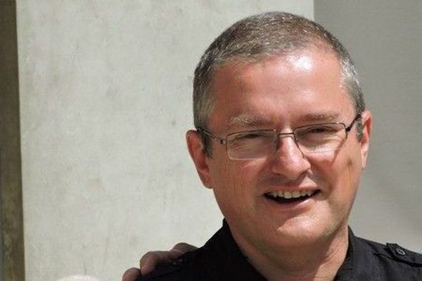 Le père Eric Molina, démis de ses fonctions de vicaire général par l'évêque de Saint-Etienne