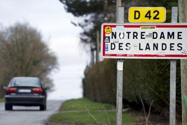 Notre-Dame-des-Landes, dossier fleuve. Les promoteurs du projet ont envisagé les premiers mouvements d'avions en 2017.