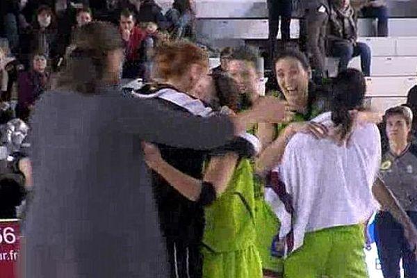 Les joueuses de l'Union Hainaut laissent éclater leur joie à l'issue de la rencontre