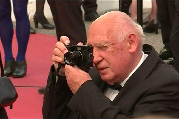 Cannes : Raymond Depardon photographe des photographes sur le tapis rouge de Cannes