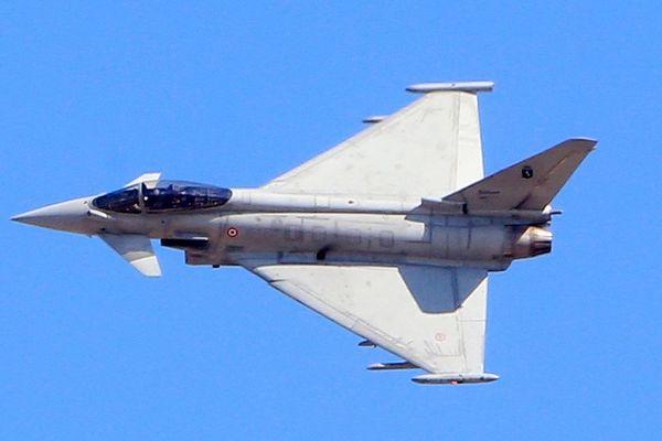 L'un des contrats sur lesquelles enquêtait la justice américaine, en vertu de l'extraterritorialité de son droit, avait été conclu en Autriche en 2003 et concernait la vente de 18 avions de combat Eurofighter pour 2 milliards d'euros.