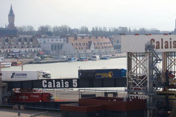 Une partie du port de Calais.