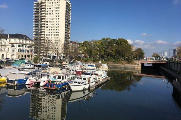 Sur le canal Rhin-Rhône, le port de plaisance de Mulhouse est une halte prisée par les plaisanciers