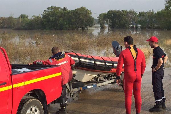 Route inondée à Palavas-les-Flots après les violents orages de la nuit du 6 au 7 octobre 2014