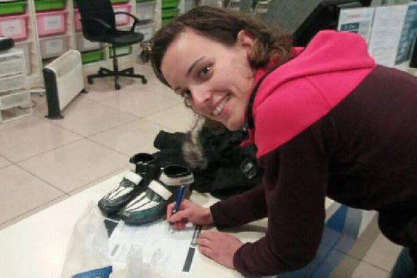 Véronique Pierron a poussé un gros ouf de soulagement. Elle vient de retrouver ses patins, sur mesure, qu'on lui avait volés à l'aéroport de Barcelone.