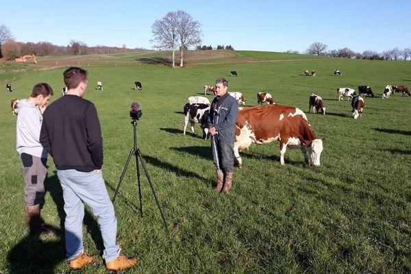 """Sur le tournage de la série """"pour l'honneur de l'élevage"""" - Les Fermiers Charentais"""