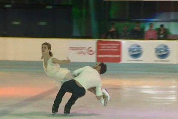 A Clermont-Ferrand, sur la patinoire de leurs débuts, Gabriella Papadakis et Guillaume Cizeron ont interprété le programme libre qui leur a permis de décrocher le titre mondial dans l'épreuve de danse sur glace le mois dernier à Shanghaï.