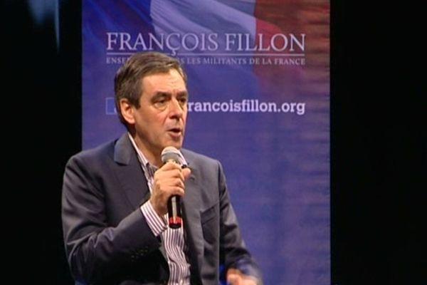 L'ancien premier ministre à la rencontre des militants UMP dans l'Hérault