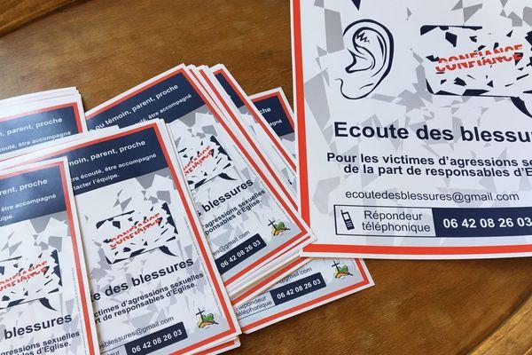 Les affichettes de promotion de la cellule d'écoute des victimes.
