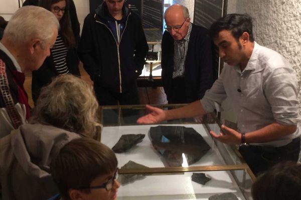 Conférence improvisée de A. El Albani est ses fossiles vieux de 2 milliards d'années
