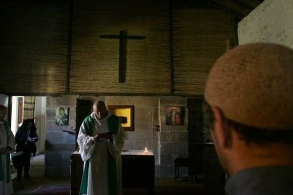 Hommage aux moines de Tibhirine en Algérie en 2007