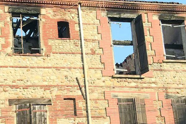 Perpignan - un immeuble ravagé par un incendie - 4 août 2017.