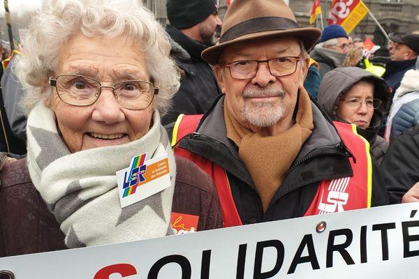 Jeannette, 90 ans, est venue défendre les retraites de ses arrières-petits-enfants.