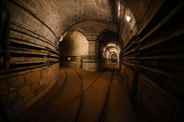 Les allées souterraines de la ligne Maginot en Lorraine.
